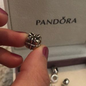 Pandora present charm
